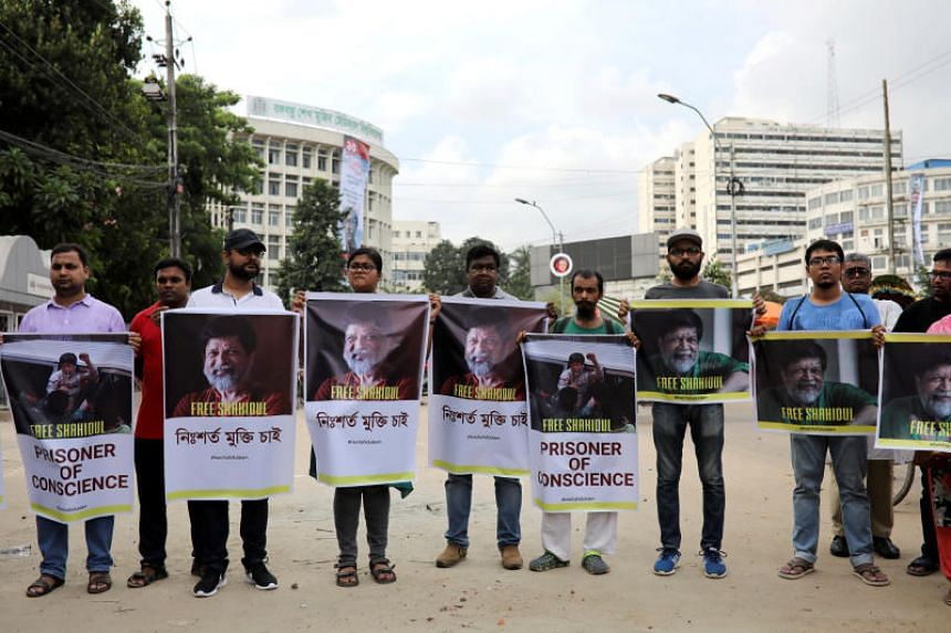 Journalists, activists and students of Pathshala South Asian Media Academy protest against the arrest of Bangladeshi photojournalist Shahidul Alam in Dhaka, Bangladesh, on Aug 11, 2018.
