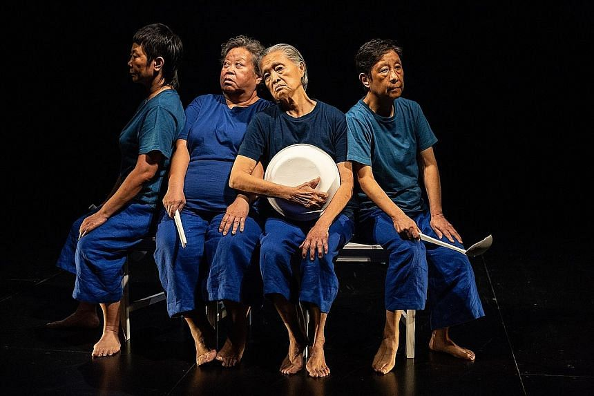 (From left) Jalyn Han, Lok Meng Chue, Goh Lay Kuan and Wong May Lan move glacially in The Ordinary And The Unspectacular.