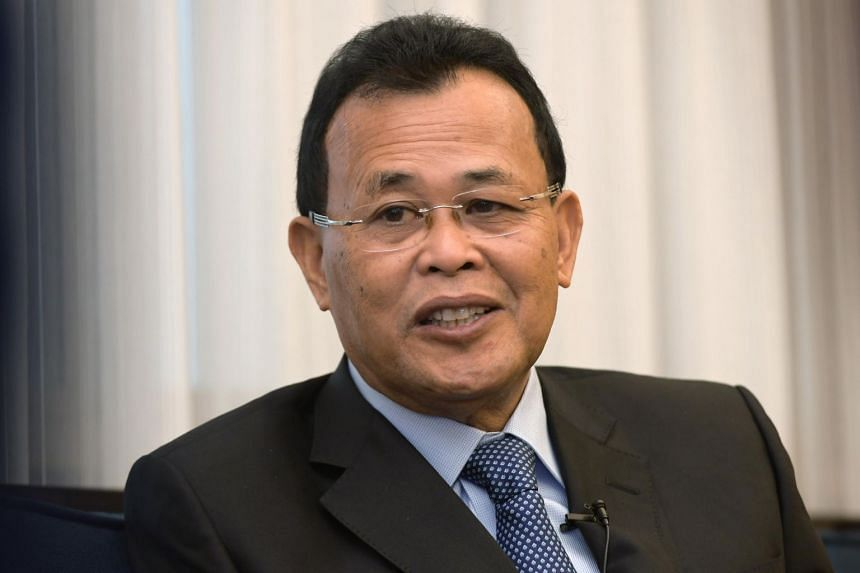 """Johor's Mentri Besar Osman Sapian claimed that the then Barisan Nasional state government """"kept quiet"""" when Singapore erected a telecommunications tower on Pulau Batu Puteh in 1997."""