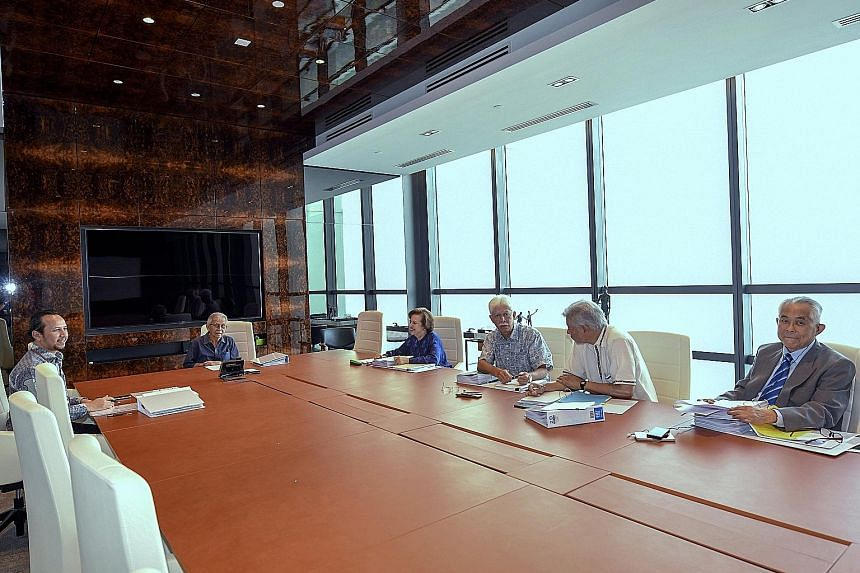 Tun Daim Zainuddin (second from left) chairing a meeting of the CEP on Friday, with council members (from right) Jomo Kwame Sundaram, Hassan Marican and Zeti Akhtar Aziz, and council secretariat and economist Muhammad Abdul Khalid (far left).