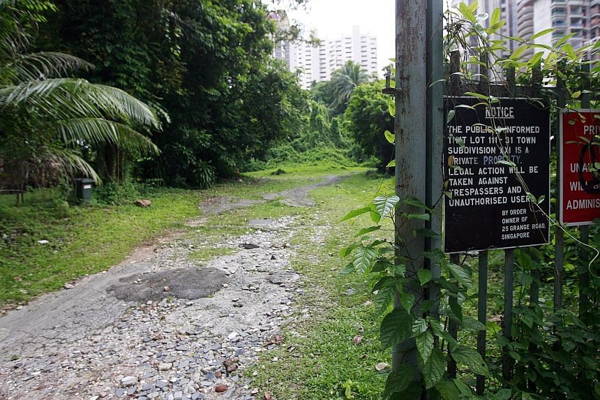 The dispute began in 1974 when Lee Tat's predecessor, Collin Development, sought a court declaration that Hong Leong Holdings, the developer of Grange Heights, had no right of way across a 883 sq m strip of land for access to Grange Road.