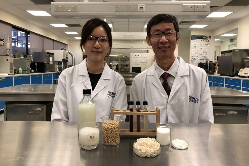 Doctoral student Vong Weng Chan (left) and Associate Professor Liu Shao Quan from the National University of Singapore are behind a healthy gut-friendly probiotic drink made from okara - the waste of soy milk and tofu production.