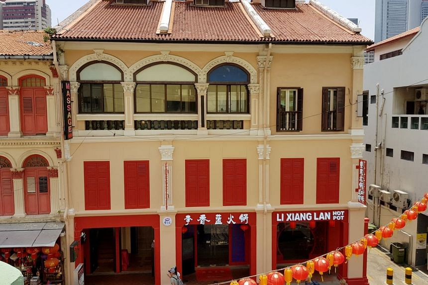 The shophouses at Smith Street enjoy full occupancy with approved restaurant use on the first and second floors, backpackers' hostel on the third floor and a TCM (traditional Chinese medicine) clinic at the attic.