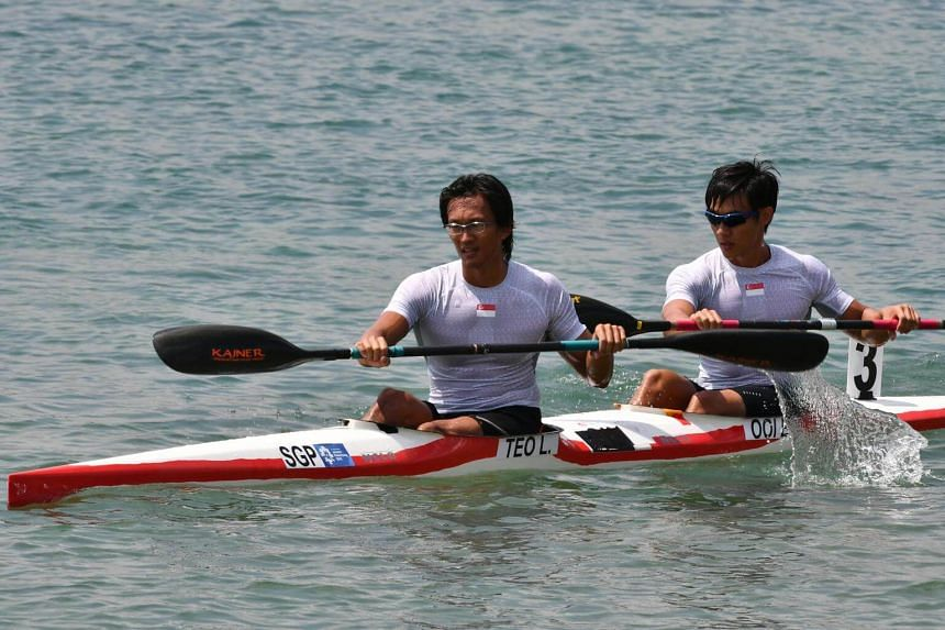 Lucas Teo Guang Yi (left) and Brandon Ooi Wei Cheng taking part in the men's K2 1000m final on Aug 30, 2018.