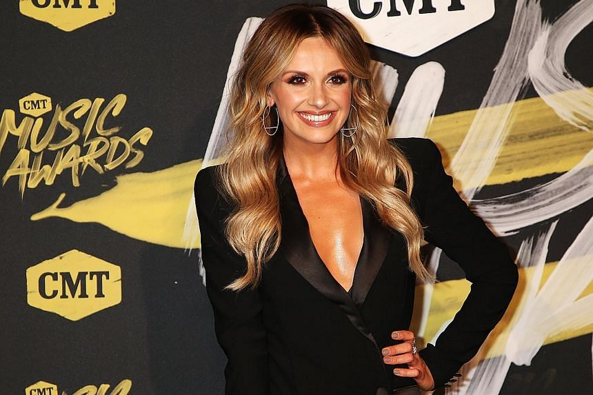 COUNTRY MUSIC SINGER CARLY PEARCE