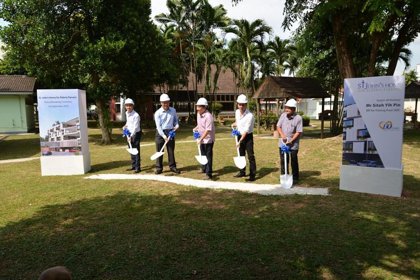 (From left) Lim Wen Heng Construction managing director Harry Lin, St. John's Home for Elderly Persons chairman Woon Wee Yim, MP for Potong Pasir Sitoh Yih Pin, Aamer Architects principal architect Aamer Taher, and St. John's Home resident Lim Seng K