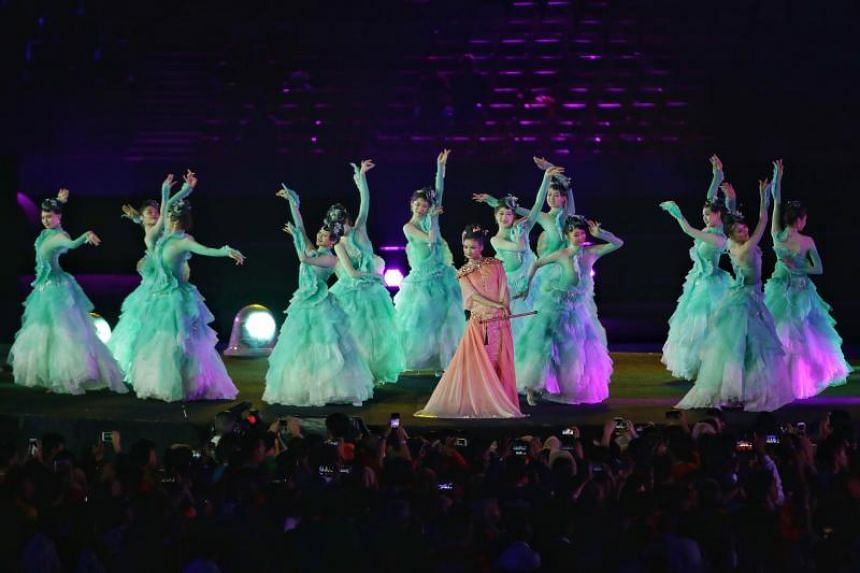 A display of Chinese performance with the announcement of Hangzhou as the host of 2022 Asian Games during the closing ceremony of the 18th Asian Games in Jakarta, Indonesia, on Sept 2, 2018.