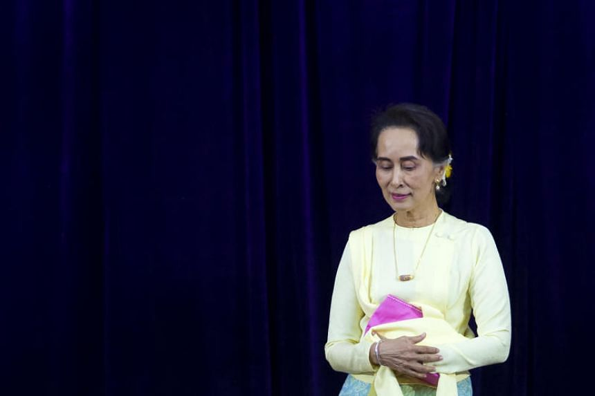 A US diplomat said nobel laureate Aung San Suu Kyi had denounced the two journalists and referred to them as traitors.