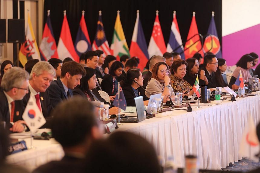 Delegates at the 6th Regional Comprehensive Economic Partnership Ministerial Meeting as part of the 50th ASEAN Economic Ministers' Meeting at Shangri-la Hotel.