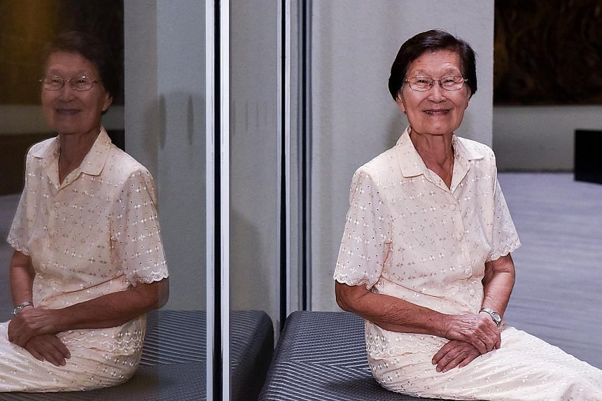 Dr Wong Hee Ong's plans to study medicine were disrupted by World War II. However, she never gave up on her dream and tried to stay on top of her studies even during the war.