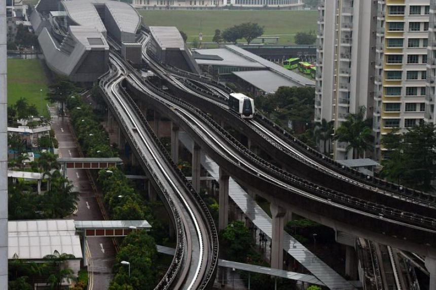 Currently, trains from Punggol run in a single direction from Sam Kee to Soo Teck until 3pm, then change direction until the end of LRT service at night.