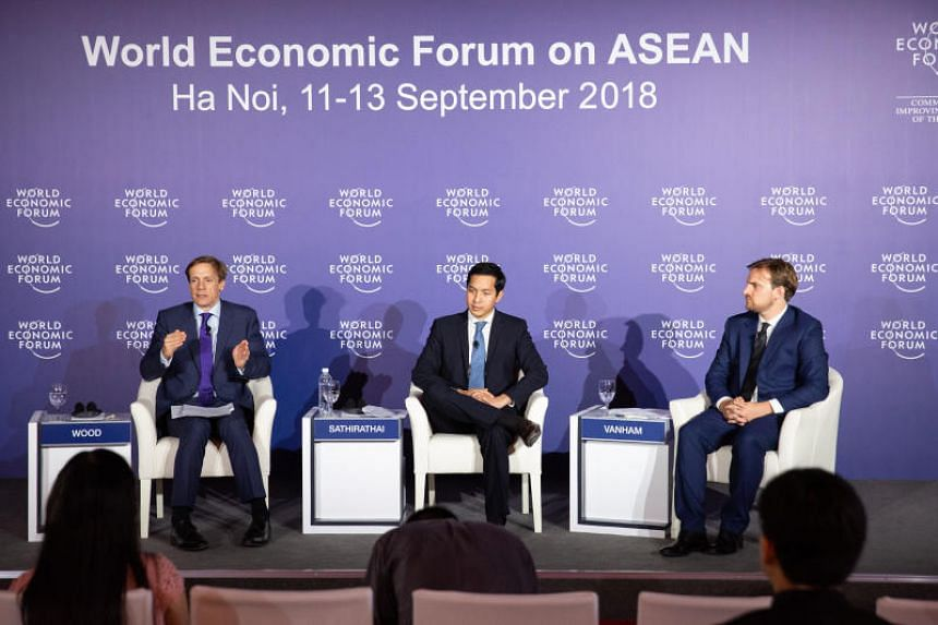 """Mr Santitarn Sathirathai, Group Chief Economist at Sea (centre), said: """"It is encouraging to see strong entrepreneurial drive among Asean youth, with one-quarter wanting to start their own business."""""""