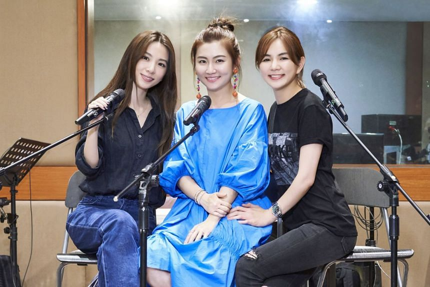 Selina Jen, Hebe Tien and Ella Chen reprised their chart-topping songs before an estimated 50,000 fans at the outdoor plaza of the National Theatre and Concert Hall in Taipei.