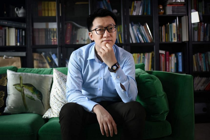 "Gu Zhongyi is among hundreds of thousands of ""experts"" who sell their advice in thriving Chinese Internet forums."