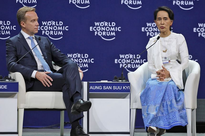 Myanmar State Counsellor Aung San Suu Kyi, speaking to World Economic Forum president Borge Brende in Hanoi yesterday, steered clear of talking about her party's chances in the next general election.