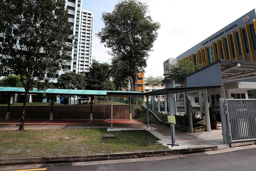The sheltered walkway leading to Fajar Secondary School. The sheltered walkways put up at the start of the year near the school in Bukit Panjang have had a noticeable impact on the students.