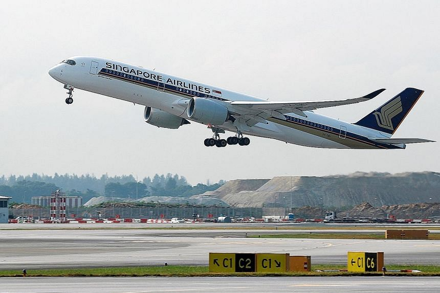 Singapore Airlines does not conduct random alcohol or substance tests, but the airline's flight crew are required to undergo any drug and alcohol tests administered by the relevant authorities.