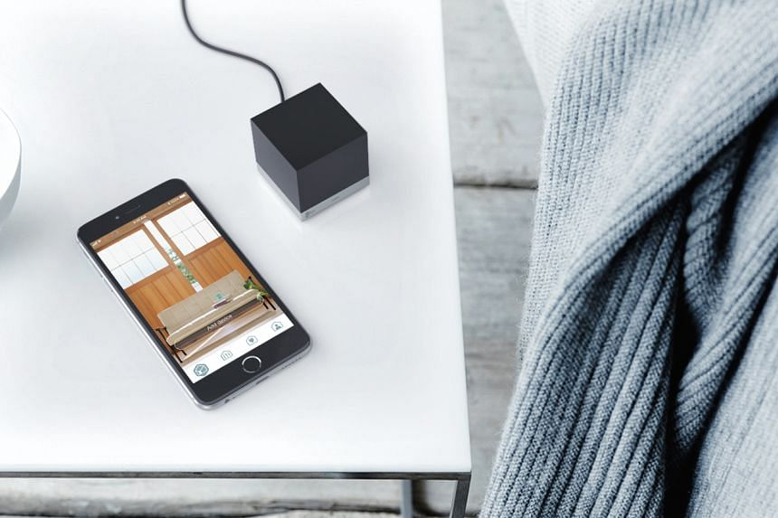The Kyla Smart IR Cube lets users control older or non-smart devices like air-conditioners or televisions from their smartphones via infrared.