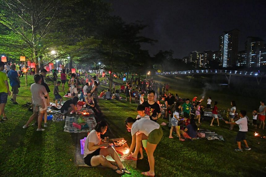 More than 5,000 people attended the Teck Ghee Lantern Night at Bishan-Ang Mo Kio Park, on Sept 22, 2018.