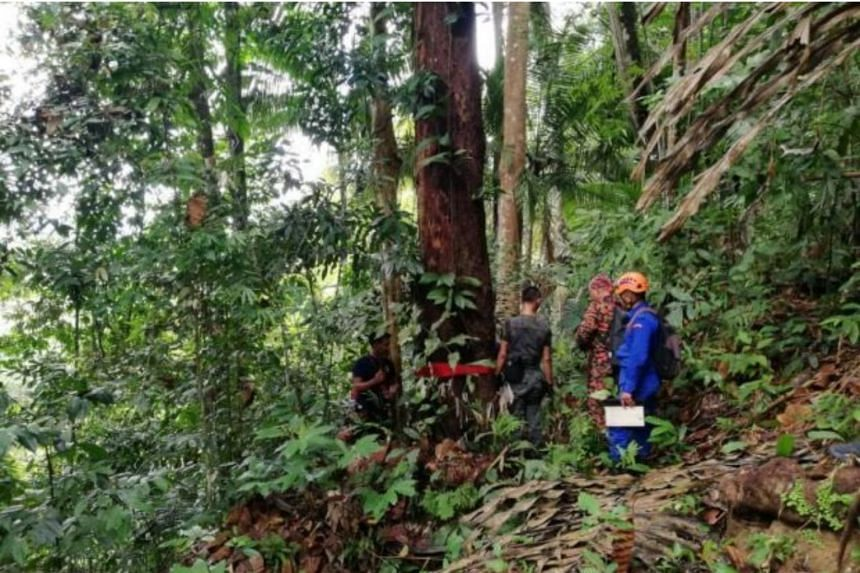 The search-and-rescue operation is into its sixth day now as the Sarawak Fire and Rescue Department try to locate hiker Stanley Kho.
