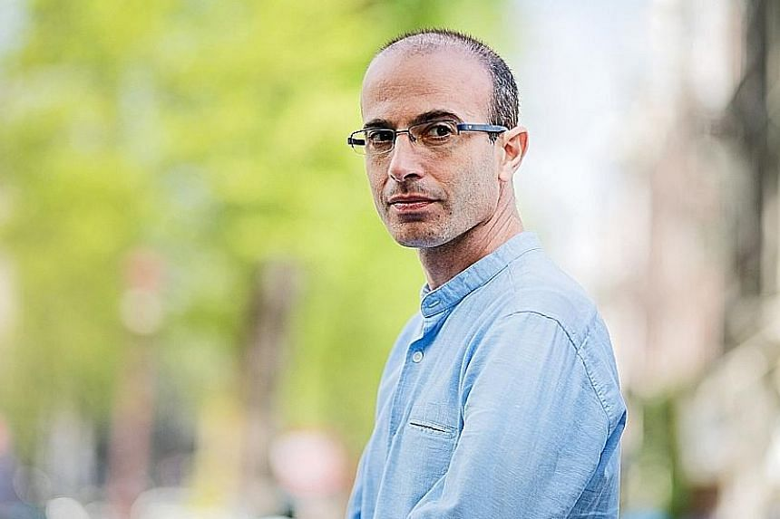 21 Lessons For The 21st Century by Yuval Noah Harari (right) breaks things down for a readership frazzled by too much information.