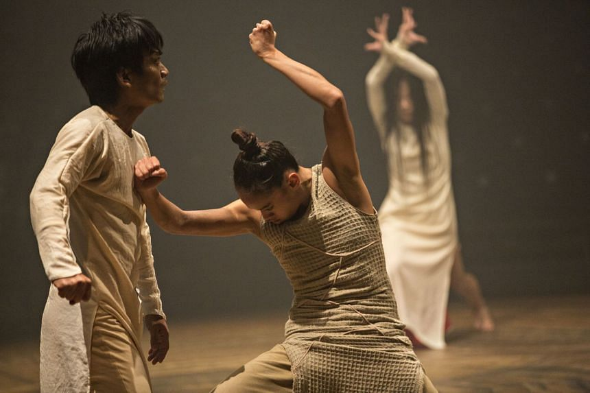 Rianto (left) and Joy Alpuerto Ritter in Until The Lions by British choreographer Akram Khan.