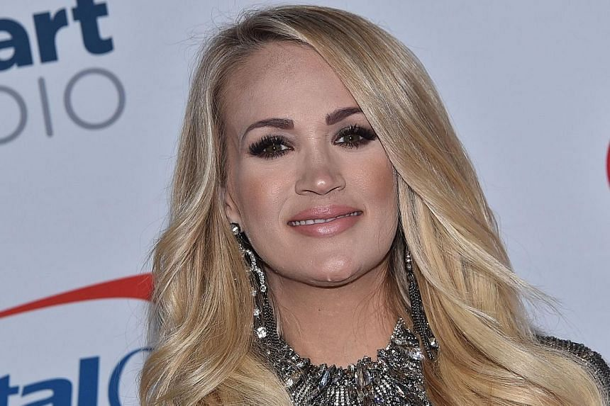 Carrie Underwood (above) .