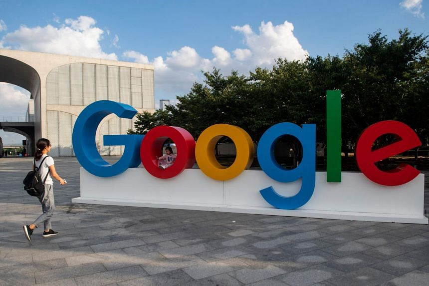 The employee criticised Google's handling of a project to build a version of its search engine that would be acceptable to China.