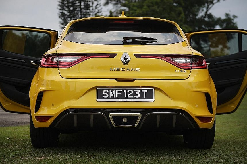 The Renault Megane RS is powered by a beefy 1.8-litre turbo engine that is mated to a dual clutch transmission.