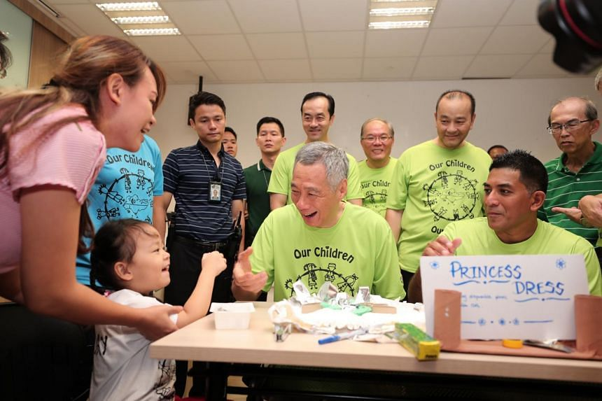 Prime Minister Lee Hsien Loong, who is also an Ang Mo Kio GRC MP, joined residents at the Ci Yuan Day event. The event raised a total of $4,350 for school supplies for children from needy families in the neighbourhood.