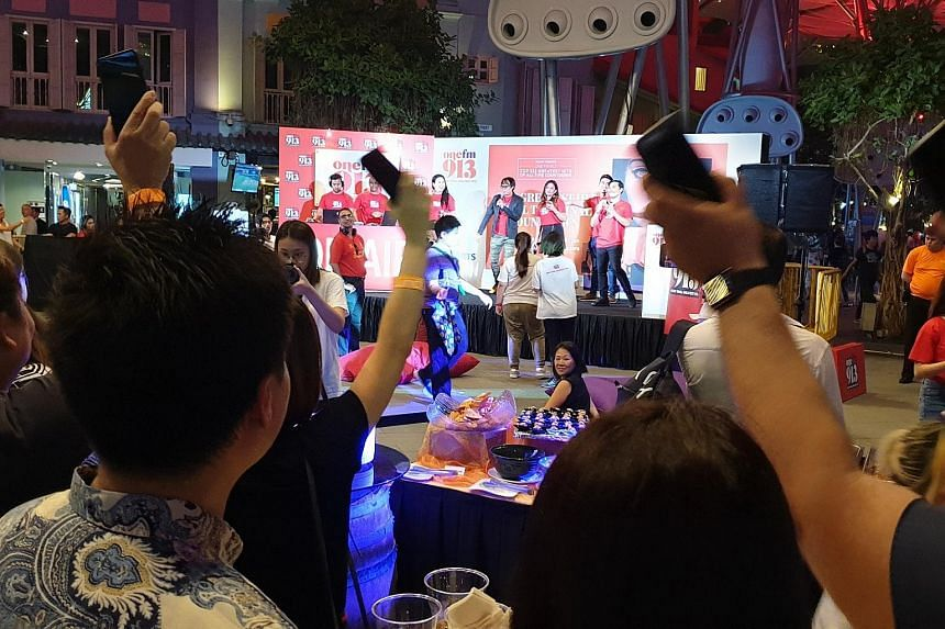 Fans joined the One FM 91.3 crew in counting down to the No. 1 song at the annual music countdown event.