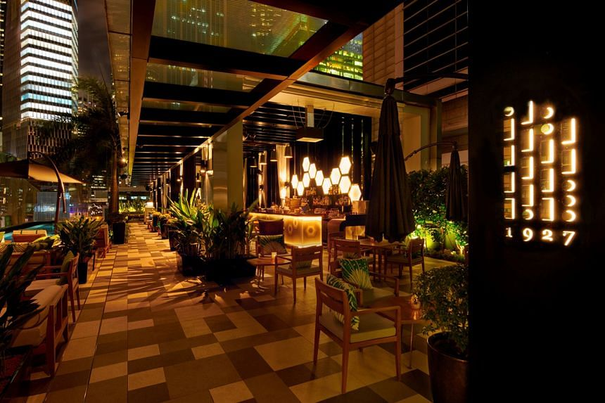 1927 at SO Sofitel Singapore is a rooftop oasis serving tropical, tiki-style cocktails, many of which centre on rum.