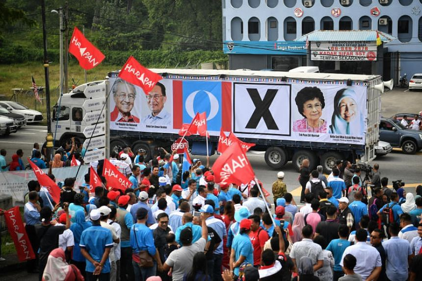 Pakatan Harapan supporters at the nomination centre for the Port Dickson by-election during nomination day on Sept 29, 2018.