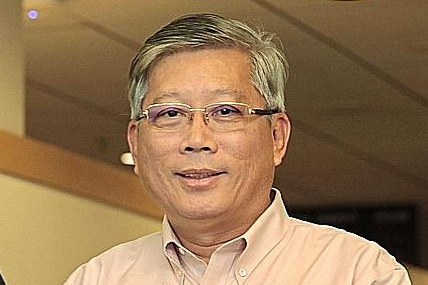 The Singapore Eye Research Institute's Dr Raymond Najjar says the handheld device can even be used at home. Mr Lee Chee Wee thinks the new device would have made the process of detecting his glaucoma much easier. Glaucoma patient Lee Chee Wee using t