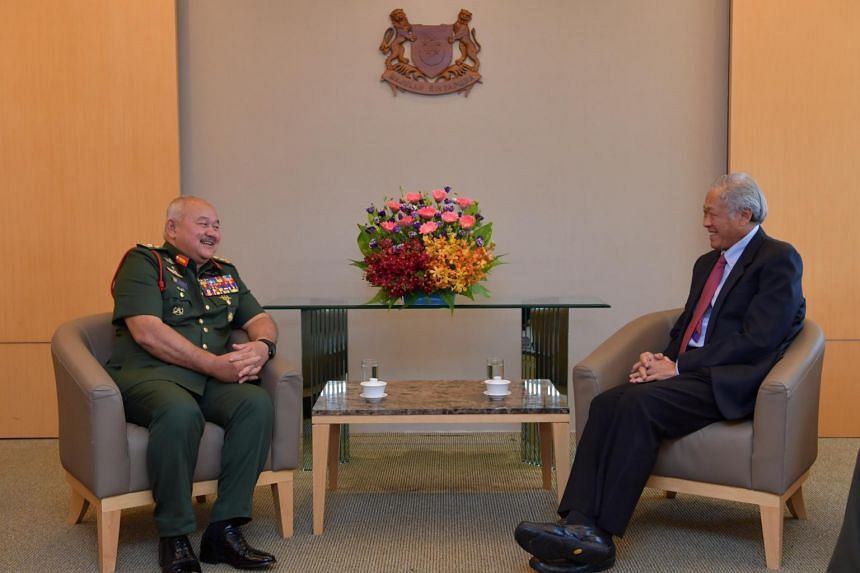 Chief of the Malaysian Armed Forces Zulkifli Zainal Abidin and Defence Minister Ng Eng Heng at the Ministry of Defence, on Oct 3, 2018.