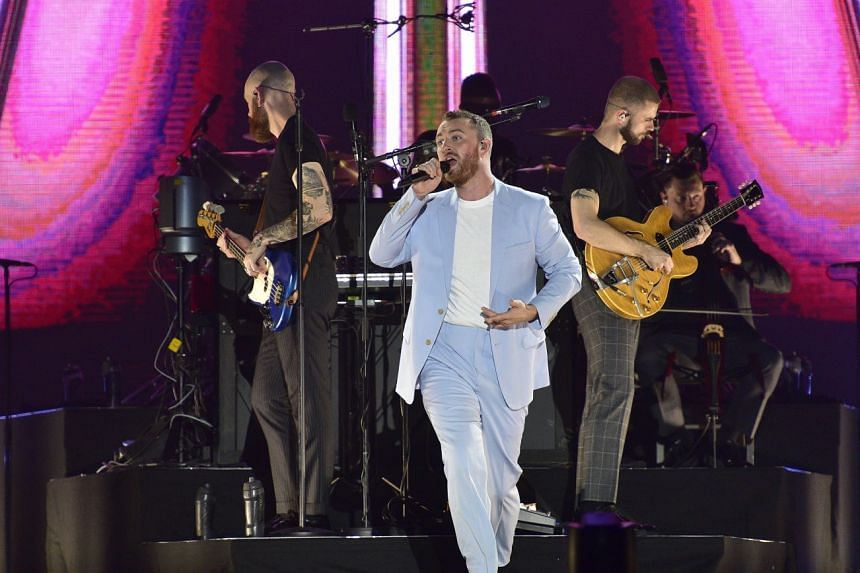 With his easy charm, singer Sam Smith got the 8,500 crowd warmed up and singing along with him by the second song.