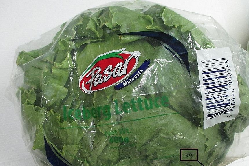 The lettuce is sold under the brand name Pasar with supplier code 40 at FairPrice. At Sheng Shiong, it is sold under the name Iceberg.