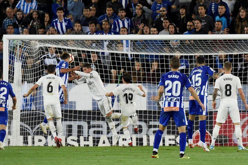 Manu Garcia scores for Alaves.