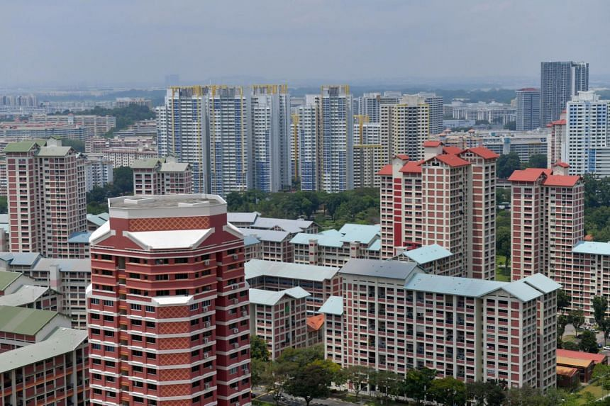 Housing Board flat rents in September fell 0.5 per cent from August, after posting two straight months of slight gain.