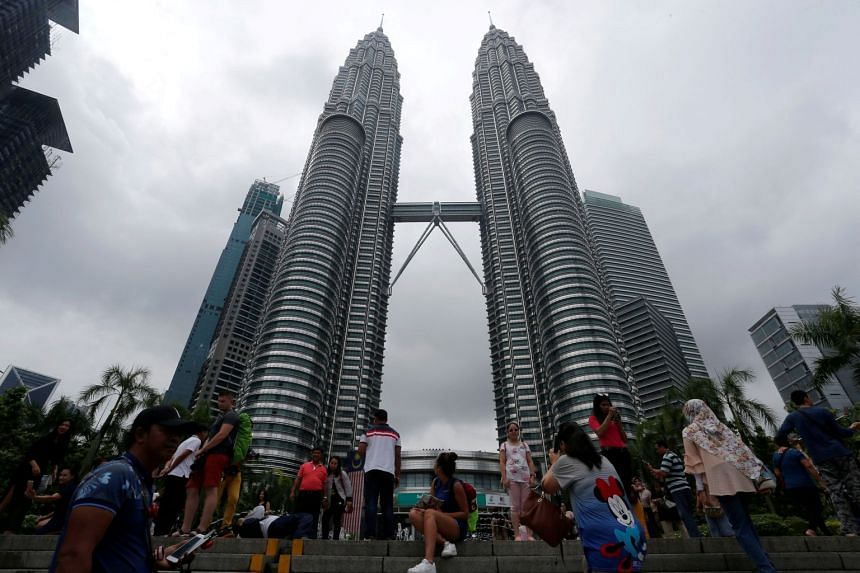About 180,000 Chinese tourists visited Malaysia during the week-long China's National Day holidays from Oct 1 to 7 last year.