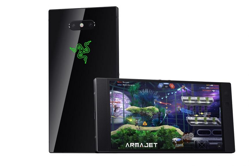 The Razer logo at the back of its new smartphone is illuminated. Users can customise the colour as well as the lighting effect for this backlight.