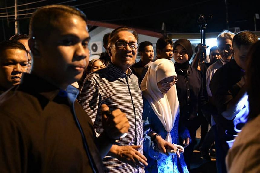 Datuk Seri Anwar Ibrahim won in the Port Dickson by-election with a majority of 23,560 votes, exceeding that of the previous MP Danyal Balagopal Abdullah.