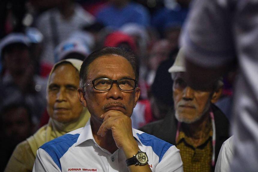 Datuk Seri Anwar Ibrahim speaking at his last campaign in Bagan Pinang, Port Dickson, on Oct 13, 2018.