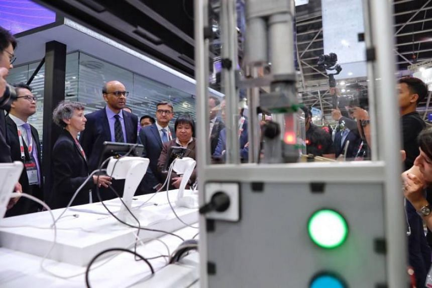 Deputy Prime Minister Tharman Shanmugaratnam touring the Industrial Transformation Asia-Pacific trade fair at the Singapore Expo on Oct 16, 2018.