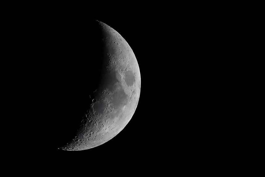China plans to put an artificial moon in orbit above Chengdu, capital of Sichuan province, from the Xichang Satellite Launch Centre in Sichuan by 2020.