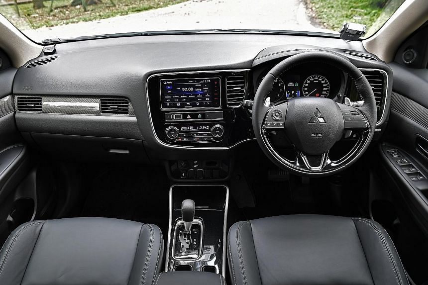 The Mitsubishi Outlander is equipped with cruise control, paddle shift, electronic parking brake with auto hold, 18-inch wheels and motorised tailgate.