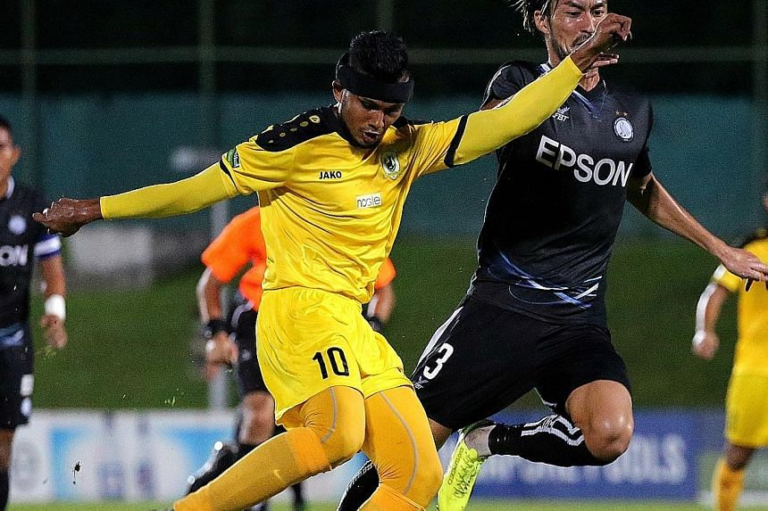 Singapore international striker Fazrul Nawaz joined Hougang United from Tampines Rovers before the Singapore Premier League transfer deadline passed in mid-July.
