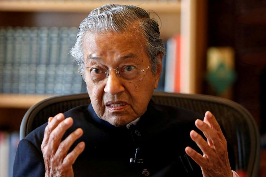 Malaysian Prime Minister Mahathir Mohamad said that it was no easy task to change the perceptions and mentality of certain Cabinet ministers.