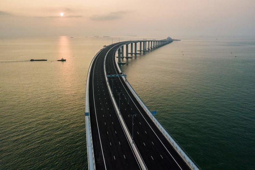 The Hong Kong-Zhuhai-Macao Bridge will give a big boost to cross-boundary passenger traffic as using it will not only be less time-consuming than the currently used circuitous land routes, it will also be more economical, flexible and stable than tra