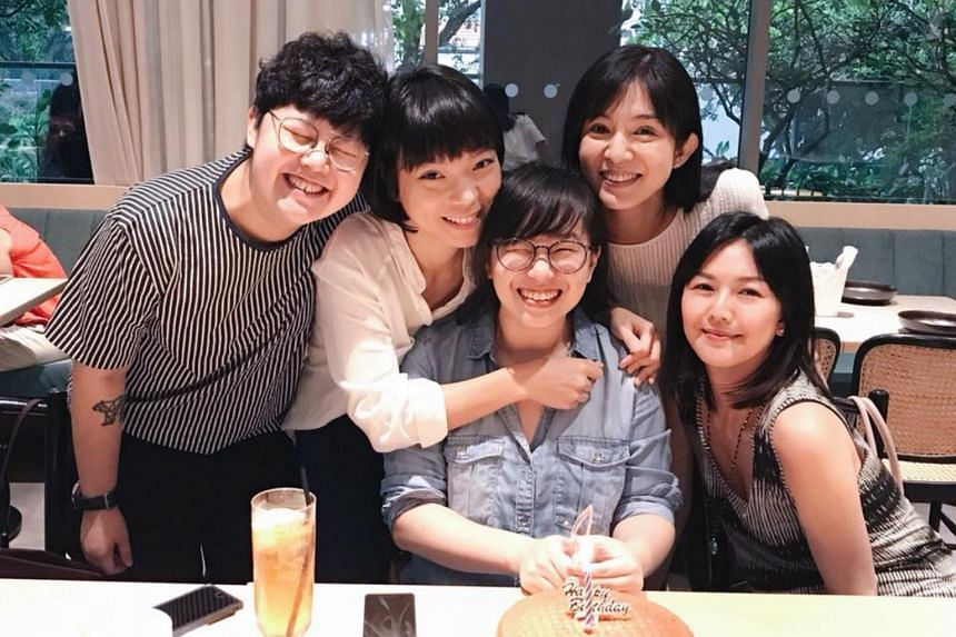 Stefanie Sun shared on social media photos of her celebrating a friend's birthday with Charlie Young and other friends.